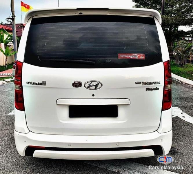 Hyundai Starex 2.5-LITER 11 SEATER MPV DIESEL TURBO Automatic 2013
