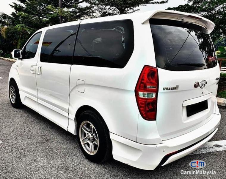 Hyundai Starex 2.5-LITER 11 SEATER MPV DIESEL TURBO Automatic 2013 in Malaysia