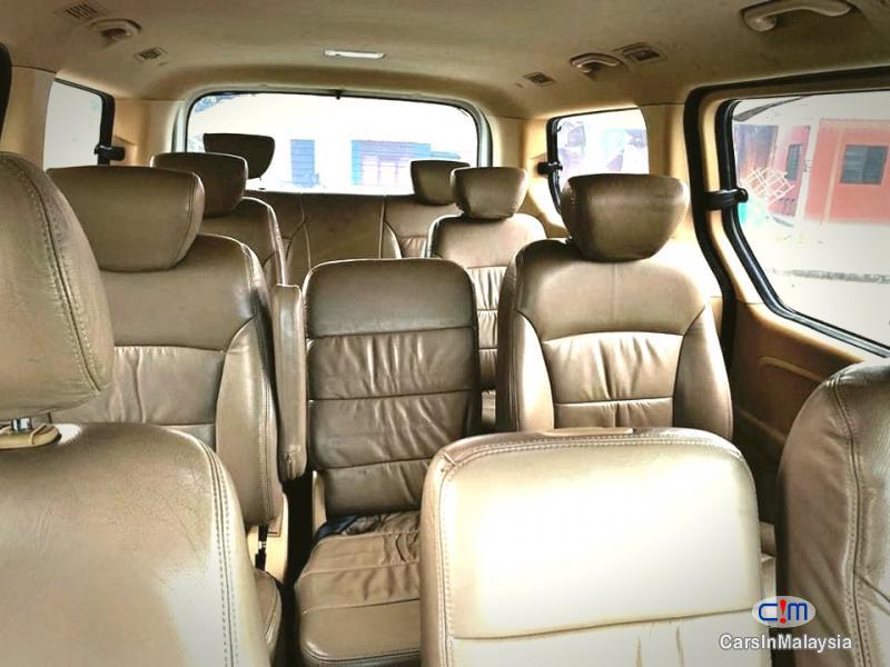Hyundai Starex 2.5-LITER 11 SEATER MPV DIESEL TURBO Automatic 2013 in Malaysia - image