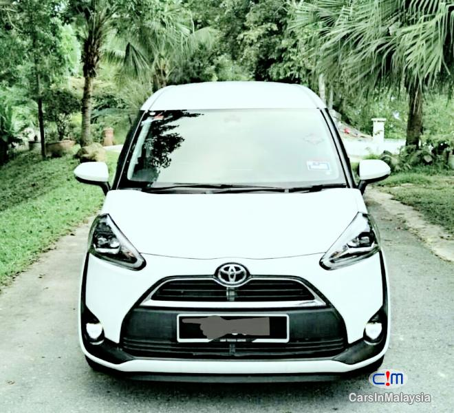 Toyota Sienta Automatic 2016