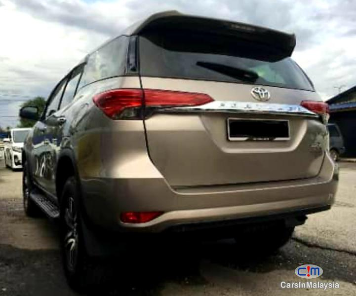 Picture of Toyota Fortuner 2.4-LITER LUXURY 4WD SUV Automatic 2016