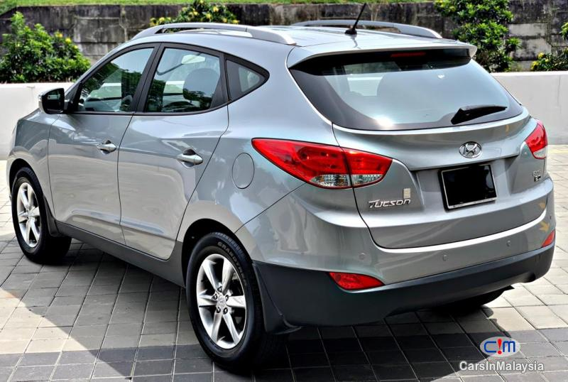 Pictures of Hyundai Tucson 2.0-LITER ECONOMY FAMILY SUV Manual 2014