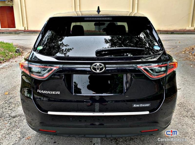 Picture of Toyota Harrier 2.0-LITER LUXURY FAMILY SUV Automatic 2015 in Malaysia