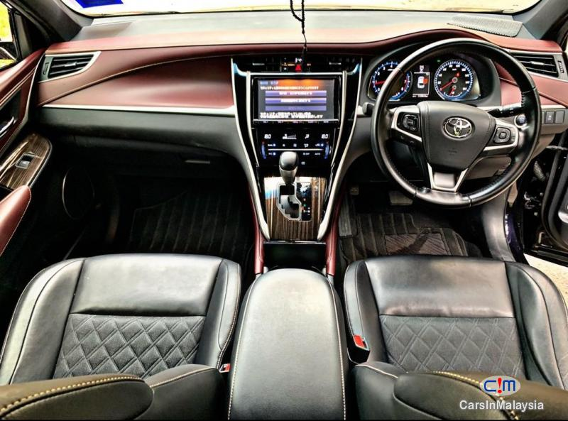 Toyota Harrier 2.0-LITER LUXURY FAMILY SUV Automatic 2015 in Malaysia - image