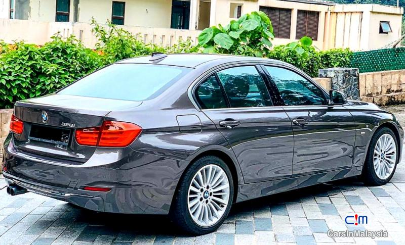 Pictures of BMW 3 Series 2.0-LITER LUXURY SEDAN Automatic 2012
