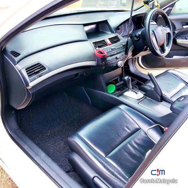 Honda Accord 2.0-LITER LUXURY SEDAN Automatic 2009 - image 7