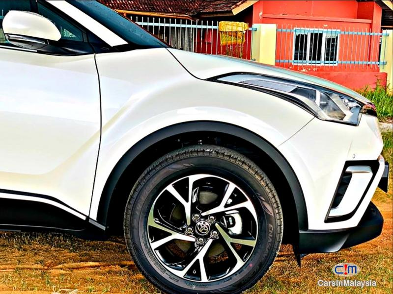 Toyota Other 1.8-LITER LUXURY SUV Automatic 2019 - image 12