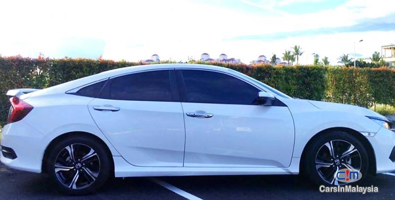 Honda Civic 1.5-LITER SPORT SEDAN TURBO Automatic 2018 - image 9
