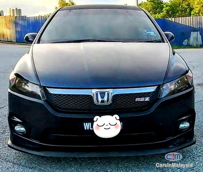 Pictures of Honda Stream 2.0-LITER LUXURY FAMILY MPV Automatic 2008