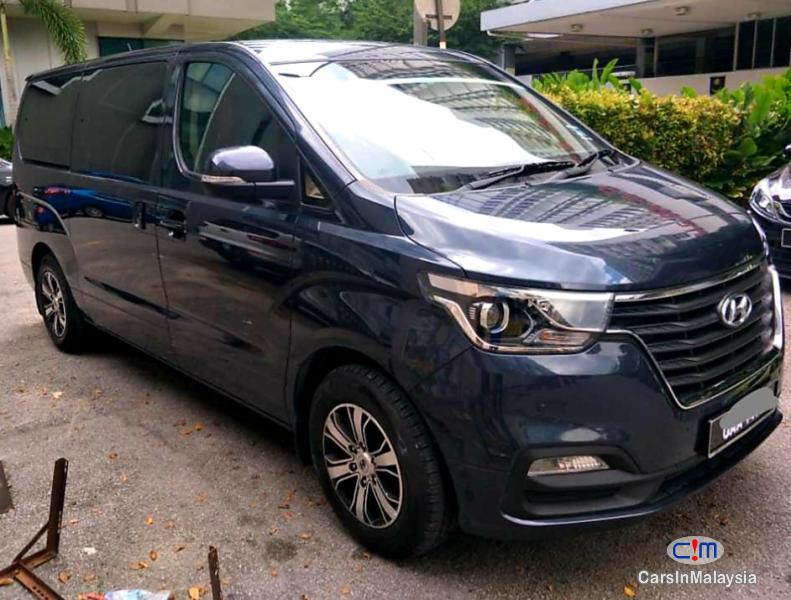 Pictures of Hyundai Starex 2.5-LITER 11 SEATER FAMILY MPV Automatic 2018