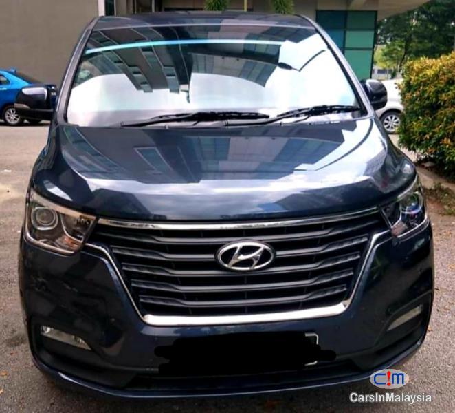Hyundai Starex 2.5-LITER 11 SEATER FAMILY MPV Automatic 2018