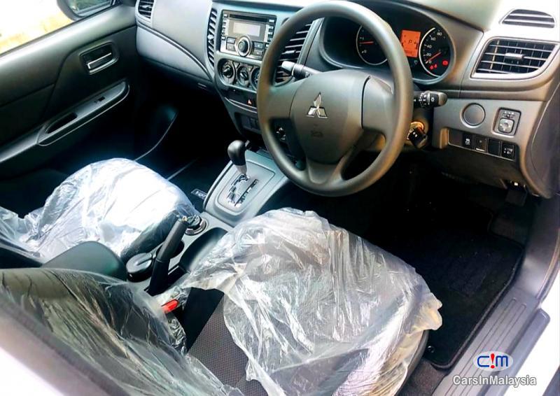 Mitsubishi Triton 2.5-LITER 4X4 DOUBLE CAB DIESEL TURBO Automatic 2020 - image 7