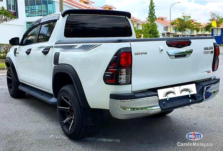 Toyota Hilux 2.8-LITER 4x4 DOUBLE CAB DIESEL TURBO Automatic 2017 in Negeri Sembilan