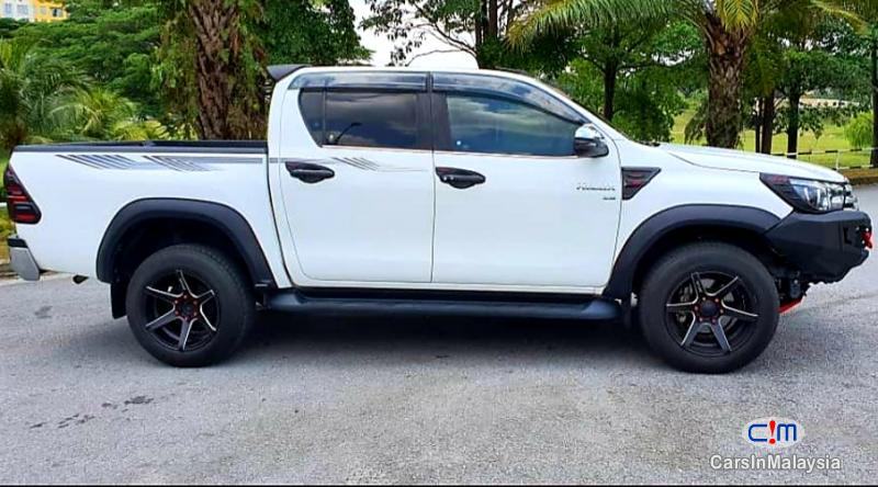 Toyota Hilux 2.8-LITER 4x4 DOUBLE CAB DIESEL TURBO Automatic 2017 in Malaysia