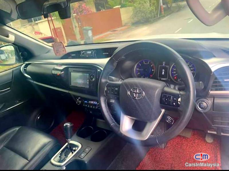 Toyota Hilux 2.8-LITER 4x4 DOUBLE CAB DIESEL TURBO Automatic 2017 - image 9