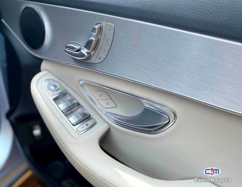 Mercedes Benz C200 2.0-LITER LUXURY SPORT SEDAN Automatic 2015 - image 10