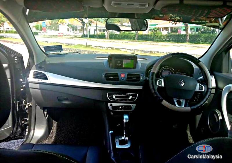 Renault Fluence 2.0-LITER LUXURY SEDAN Automatic 2016 - image 10