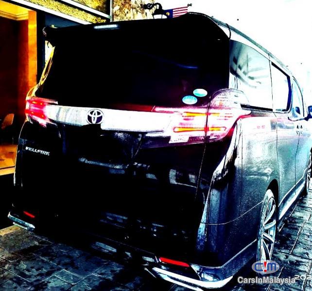 Toyota Vellfire 2.5-LITER LUXURY FAMILY MPV Automatic 2020 in Kuala Lumpur - image