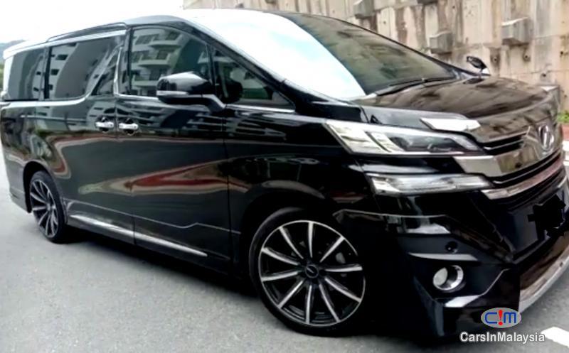 Toyota Vellfire 2.5-LITER LUXURY FAMILY MPV Automatic 2020 in Malaysia - image