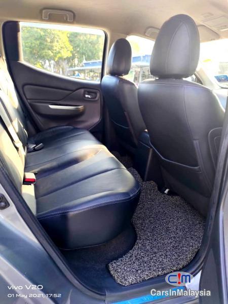 Mitsubishi Triton 2.4-LITER 4WD DOUBLE CAB 4X4 DIESEL TURBO Automatic 2017 - image 10
