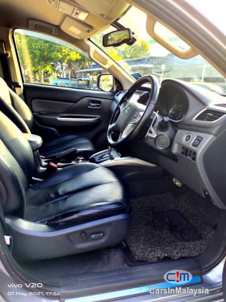 Mitsubishi Triton 2.4-LITER 4WD DOUBLE CAB 4X4 DIESEL TURBO Automatic 2017 - image 11