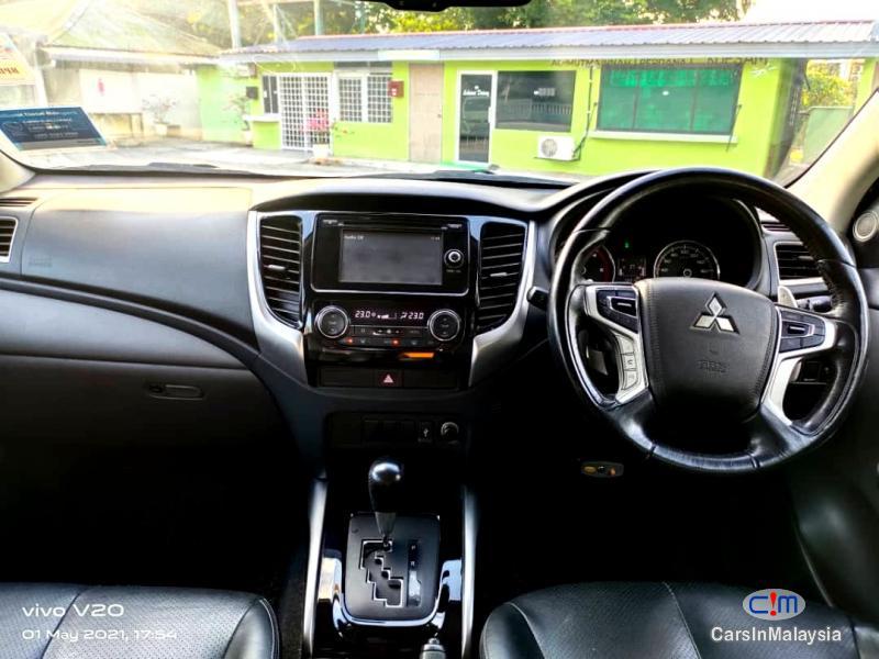 Mitsubishi Triton 2.4-LITER 4WD DOUBLE CAB 4X4 DIESEL TURBO Automatic 2017 - image 9