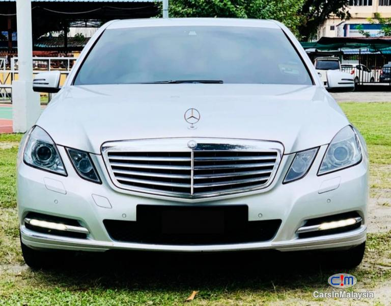 Picture of Mercedes Benz E250 CGI 1.8-LITER TURBO LUXURY SEDAN Automatic 2010