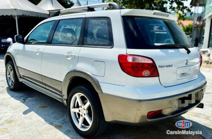 Picture of Mitsubishi Outlander 2.4-LITER 5 SEATER FAMILY SUV Automatic 2005