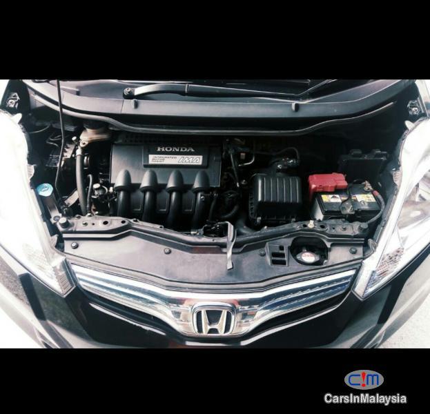 Honda Jazz Automatic 2014 - image 3