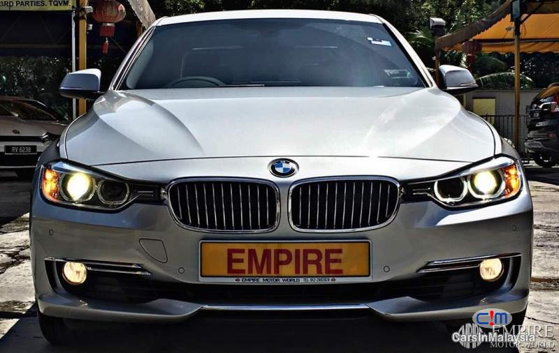 BMW 3 Series 328i Automatic 2013 - image 2