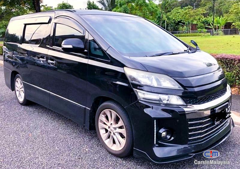 Toyota Vellfire 2.4-LITER FULLSPEC LUXURY FAMILY MPV Automatic 2014 in Selangor