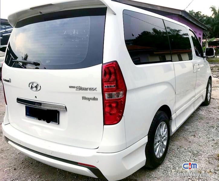Picture of Hyundai Grand Starex 2.5-LITER DIESEL FAMILY MPV FULLSPEC Automatic 2013