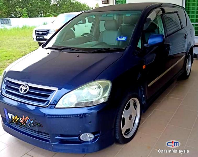 Toyota Ipsum 2.4-LITER FAMILY MPV 7 SEATER Automatic 2010