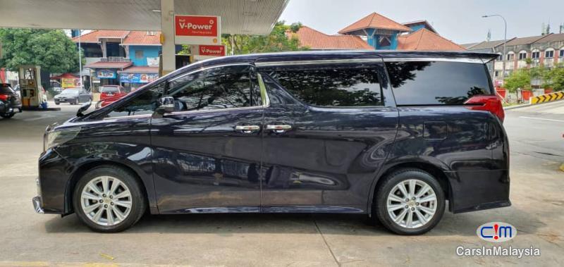 Toyota Vellfire Zg Manual 2015 in Kuala Lumpur - image
