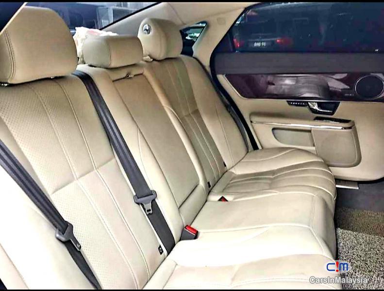 Jaguar XJL 2.0 Petrol Automatic 2014 - image 4
