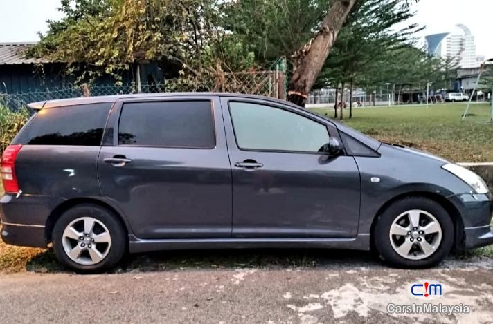 Picture of Toyota Wish 1.8L MPV Automatic 2004