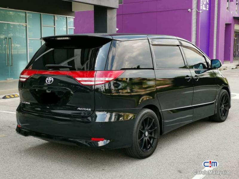 Toyota Estima 2.4-LITER LUXURY FAMILY MPV Automatic 2007