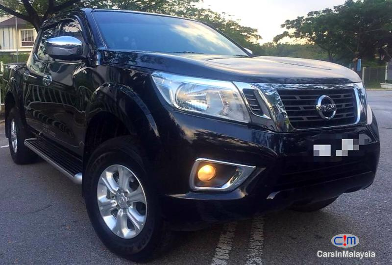 Pictures of Nissan Navara 2.5-LITER 4X4 4WD CAB CHASSIS DIESEL TURBO Automatic 2017