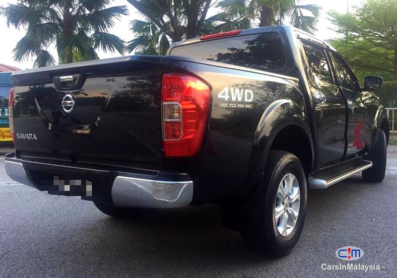 Nissan Navara 2.5-LITER 4X4 4WD CAB CHASSIS DIESEL TURBO Automatic 2017 in Malaysia
