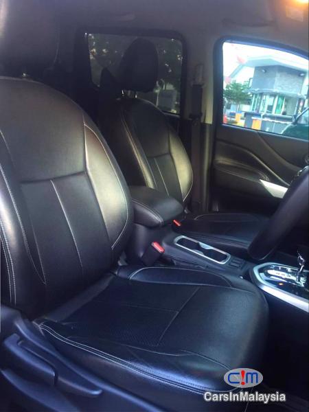 Nissan Navara 2.5-LITER 4X4 4WD CAB CHASSIS DIESEL TURBO Automatic 2017 in Kuala Lumpur - image