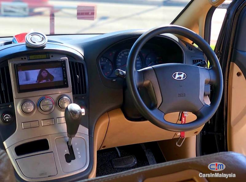 Hyundai Starex 2.5-LITER 11 SEATER FAMILY MPV DIESEL TURBO Automatic 2010 - image 10