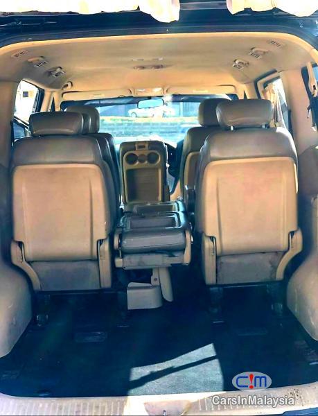Hyundai Starex 2.5-LITER 11 SEATER FAMILY MPV DIESEL TURBO Automatic 2010 - image 12