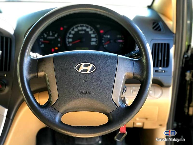 Hyundai Starex 2.5-LITER 11 SEATER FAMILY MPV DIESEL TURBO Automatic 2010 in Malaysia - image