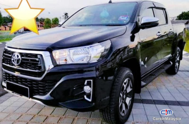 Toyota Hilux 2.4-LITER NEW 4X4 DIESEL TURBO DOUBLE CAB CHASSIS Automatic 2020 - image 17