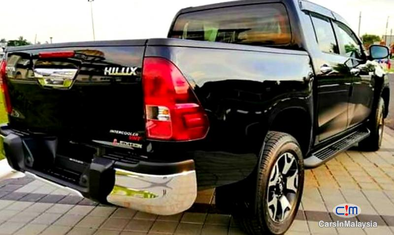 Toyota Hilux 2.4-LITER NEW 4X4 DIESEL TURBO DOUBLE CAB CHASSIS Automatic 2020 - image 18