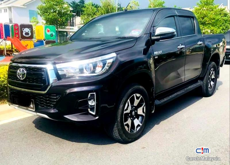 Pictures of Toyota Hilux 2.4-LITER NEW 4X4 DIESEL TURBO DOUBLE CAB CHASSIS Automatic 2020