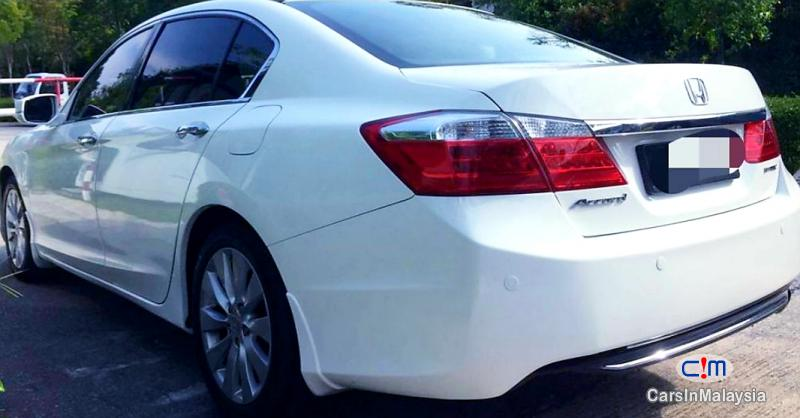 Picture of Honda Accord 2.0-LITER LUXURY SEDAN Automatic 2015