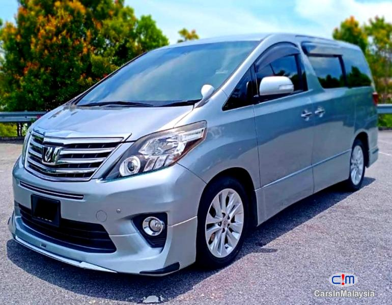 Pictures of Toyota Alphard 2.4-LITER LUXURY FAMILY MPV Automatic 2012