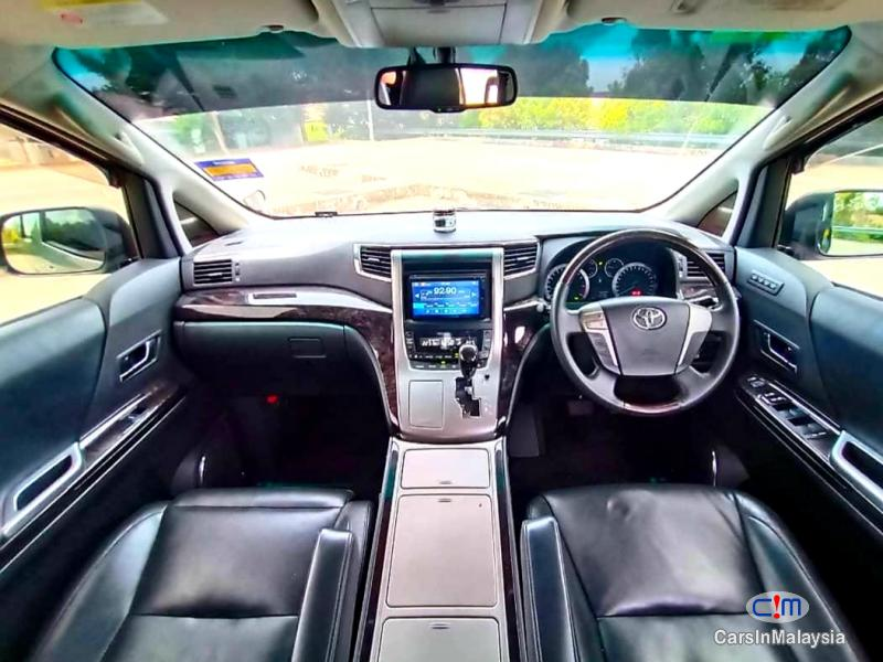 Picture of Toyota Alphard 2.4-LITER LUXURY FAMILY MPV Automatic 2012 in Malaysia