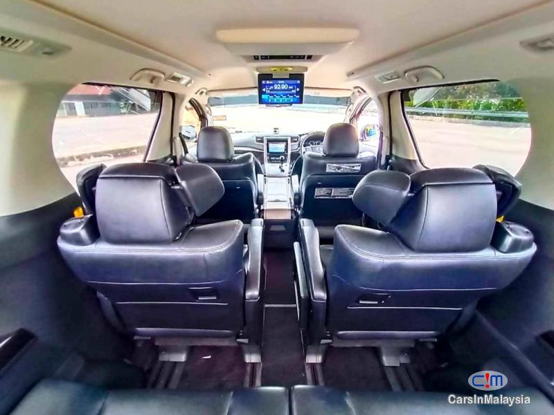 Toyota Alphard 2.4-LITER LUXURY FAMILY MPV Automatic 2012 in Malaysia - image
